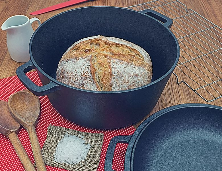 baked bread in dutch oven
